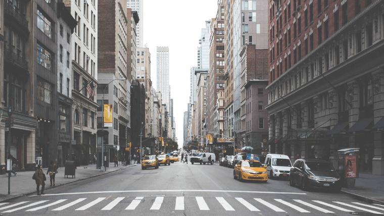 都会の交差点
