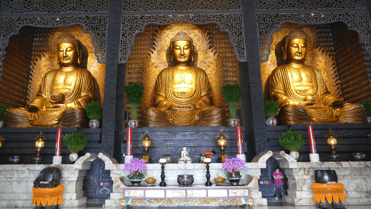 三体の仏像